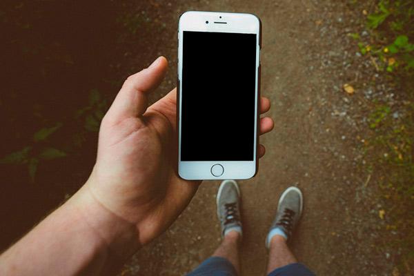 Как включить Айфон и возможные причины поломки