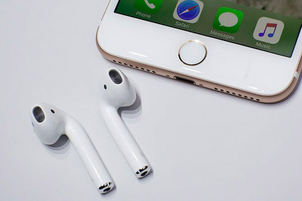 Вышли беспроводные наушники Apple для iPhone 7