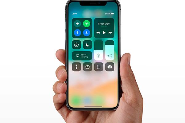 Как почистить динамик на iPhone самостоятельно