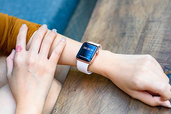 Apple Watch 42 или 38 для девушки стоит выбрать
