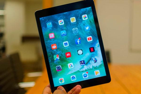 iPad постоянно перезагружается